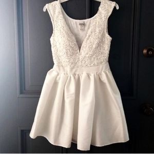 ♥️GORGEOUS♥️ White Sequin Fit & Flare Event Dress